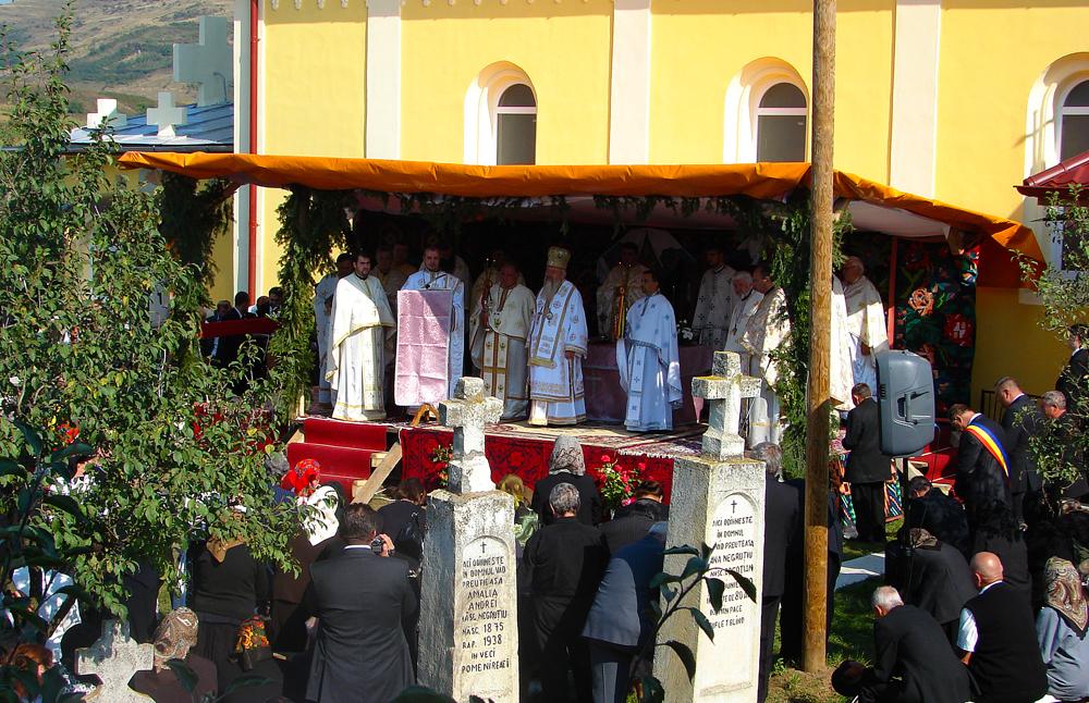 Sfânta Liturghie Arhierească în parohia Sucutard
