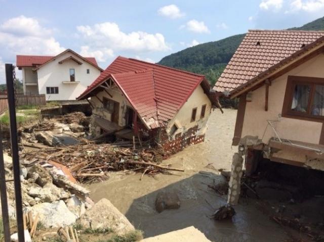 Solidari cu familiile sinistrate din Oltenia