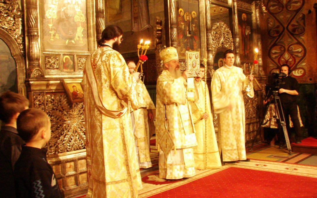 Liturghie Arhierească, în Catedrala Mitropolitană din Cluj-Napoca