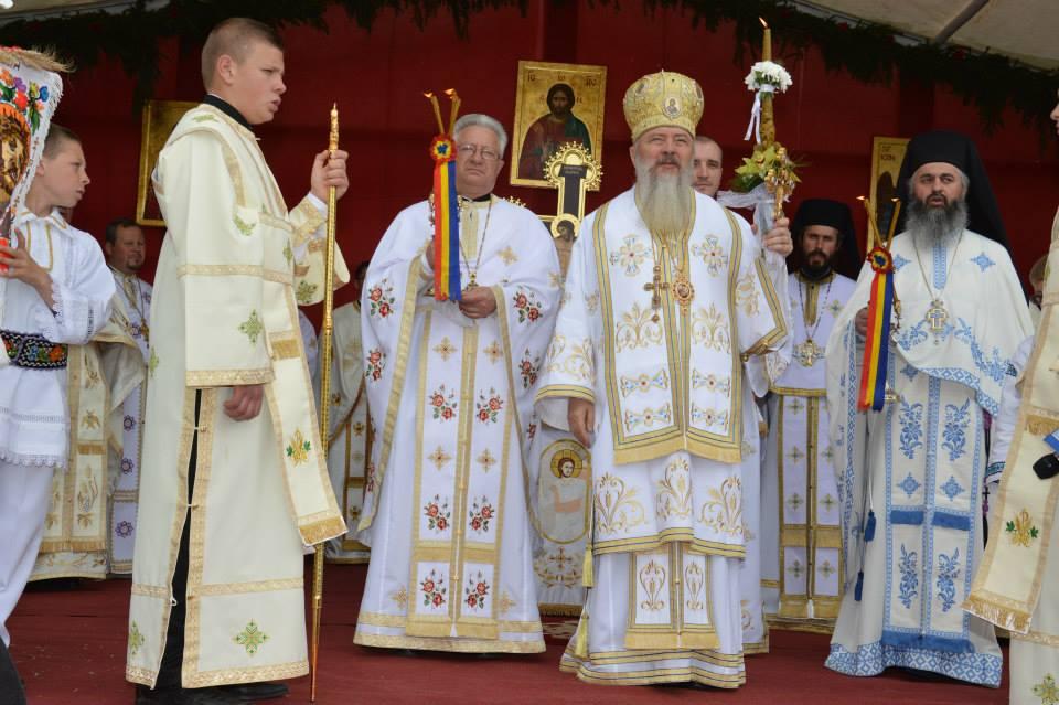 """Hramul Mănăstirii """"Izvorul Tămăduirii"""" din Țara Năsăudului"""