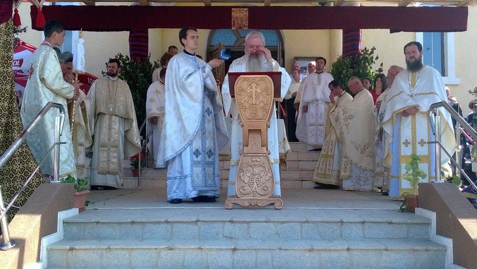 Biserica din Cojocna, sfințită de IPS Andrei