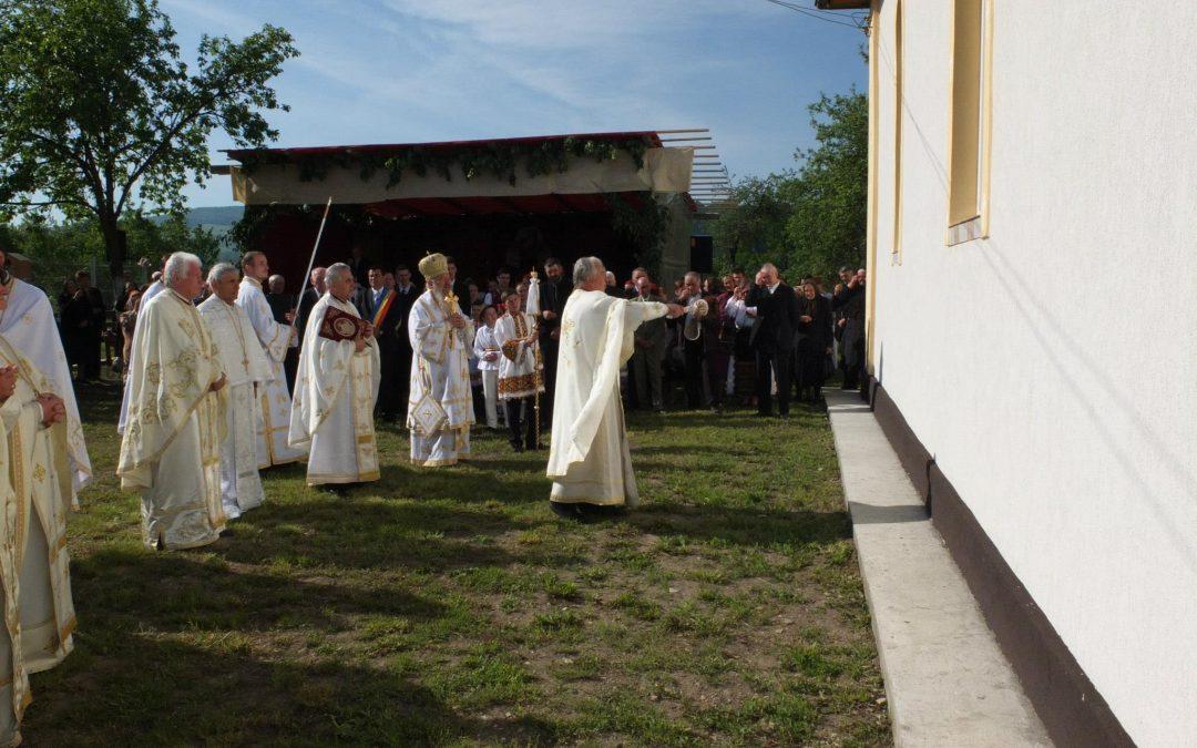 IPS Arhiepiscop și Mitropolit Andrei a resfințit biserica din Parohia Coldău