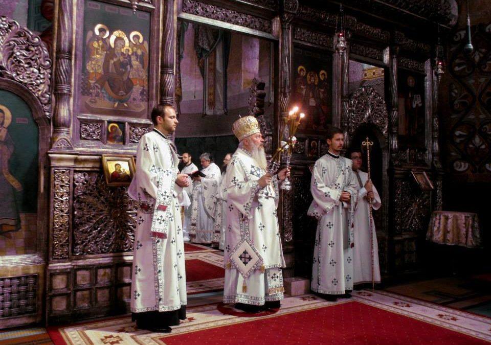 ÎPS Părinte Andrei a oficiat Sfânta Liturghie în Catedrala Mitropolitană