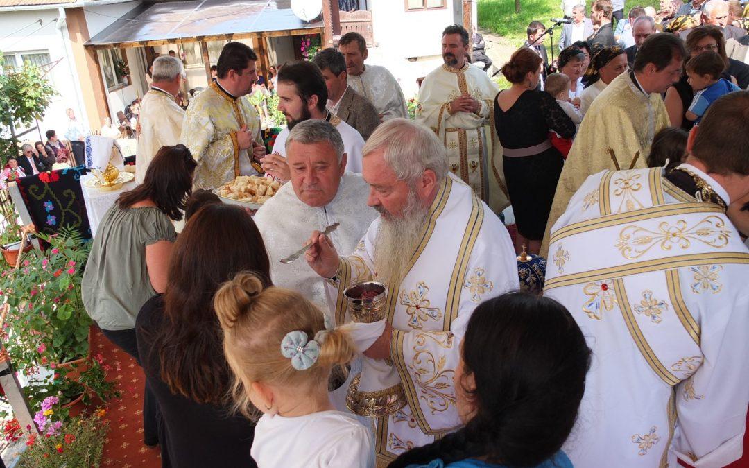 Liturghie Arhierească și resfințirea bisericii în Parohia Căpușu Mic