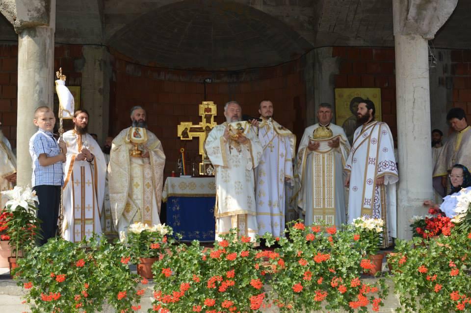 """Praznicul """"Schimbării la Față"""" la Mănăstirea Petreștii de Sus"""