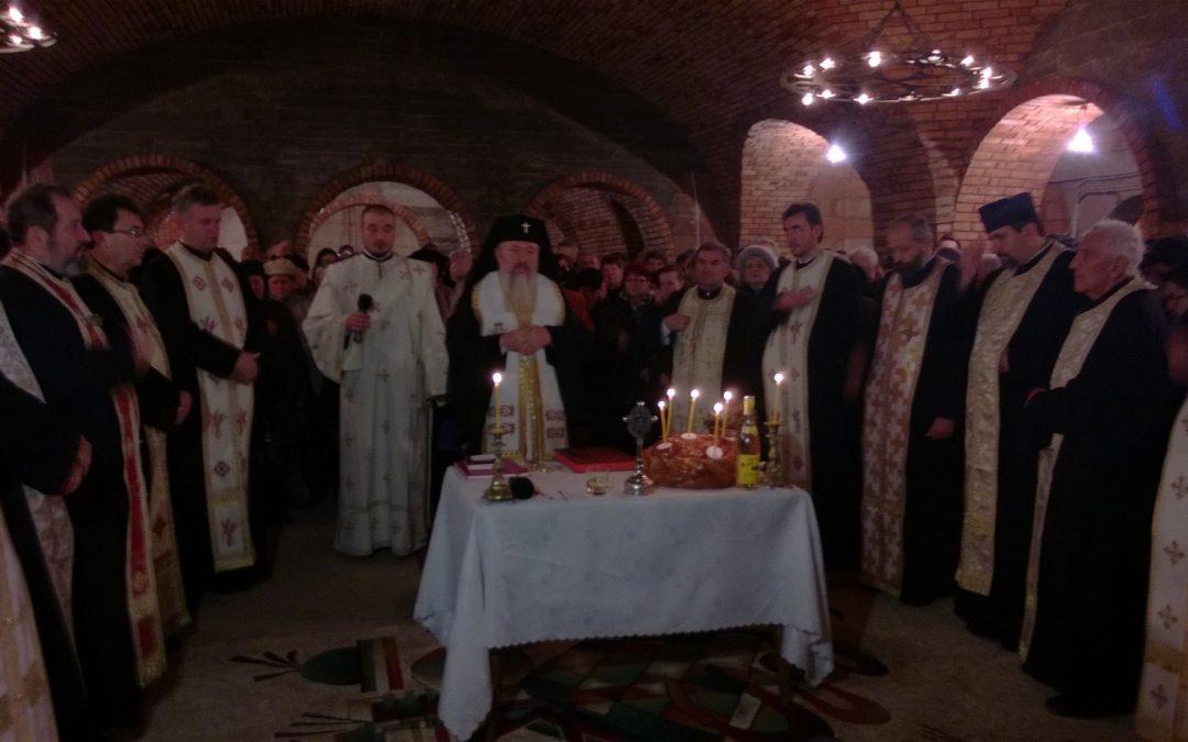 """Sfințirea demisolului Bisericii """"Învierea Domnului"""", din cartierul Zorilor"""
