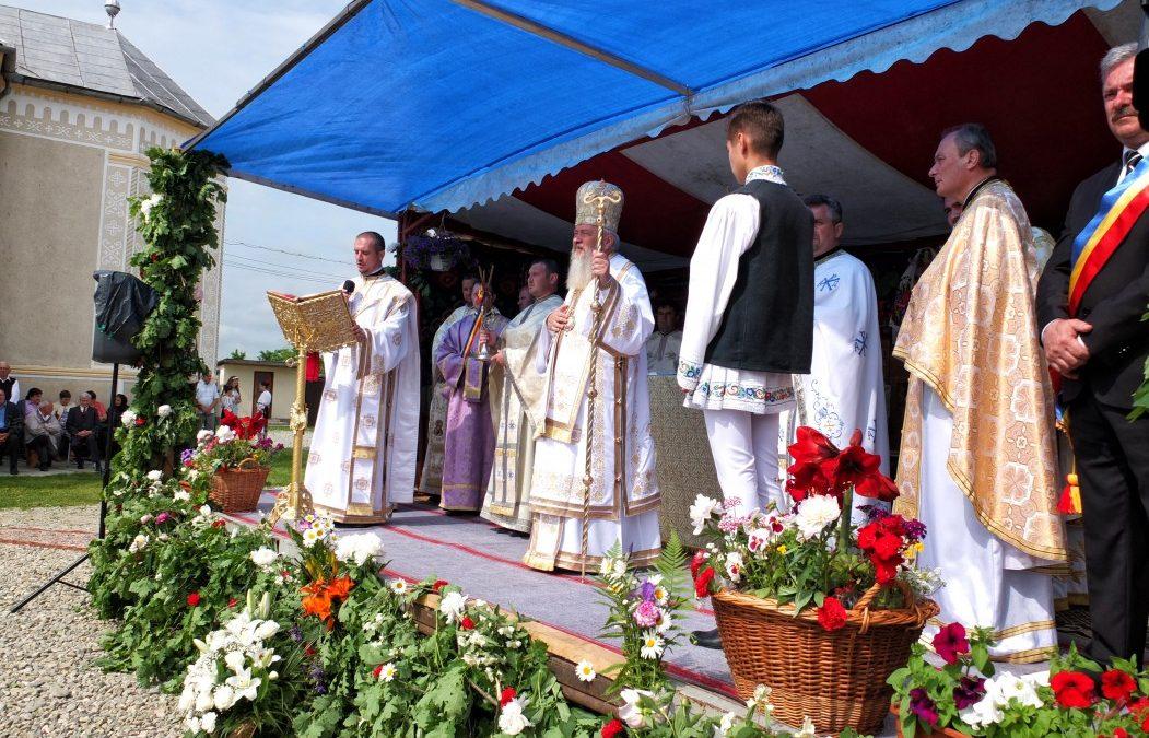 Liturghie arhierească la Iclod