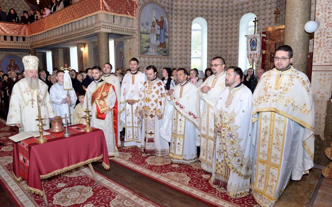 Liturghie arhierească în Parohia Nicula