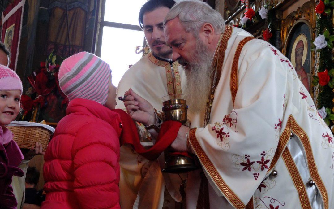 Liturghie arhierească în Parohia Nima