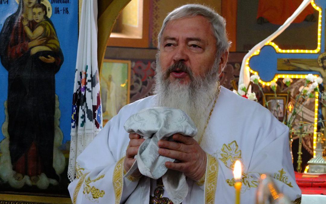 Liturghie arhierească în Parohia Luna de Sus