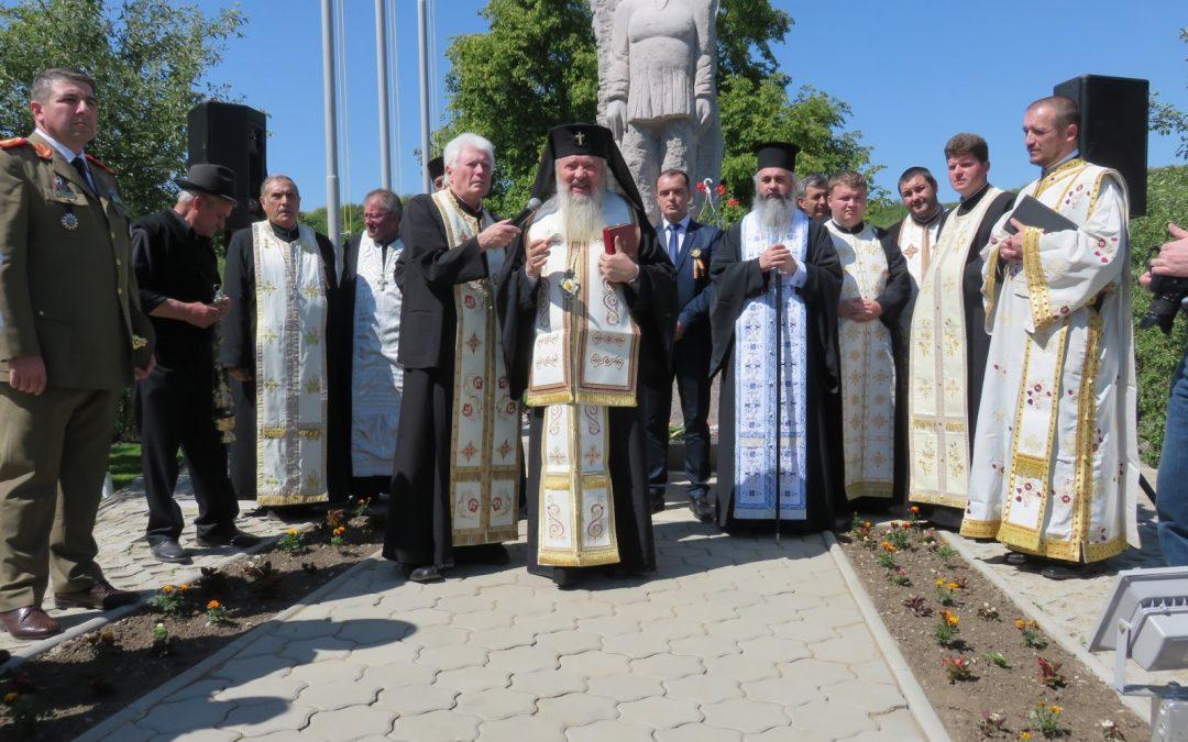 Monumentul Ţăranului Român, sfinţit la Zoreni de mitropolitul Clujului