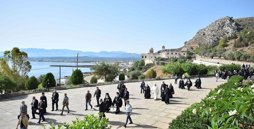 Întâistătătorii absenţi vor fi invitaţi la coliturghisirea din ziua Cincizecimii