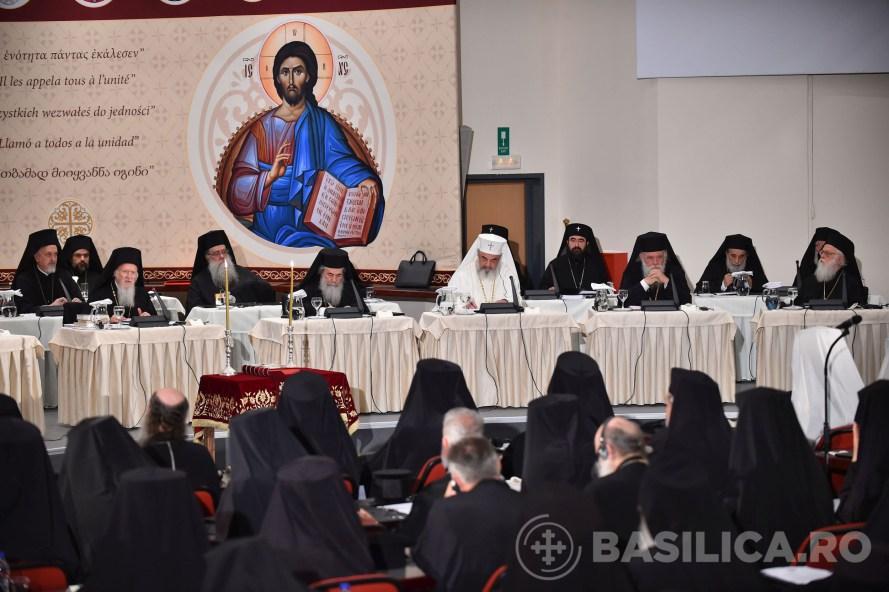 Discuții importante în a treia zi de lucrări sinodale. Patriarhia Ecumenică nu dorește autonomia Teritoriilor Noi
