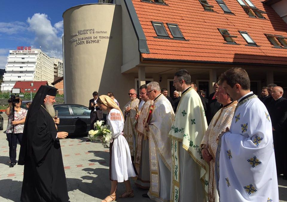 Părintele Ioan Bunea, evocat la 1 an de la inaugurarea centrului de tineret care îi poartă numele