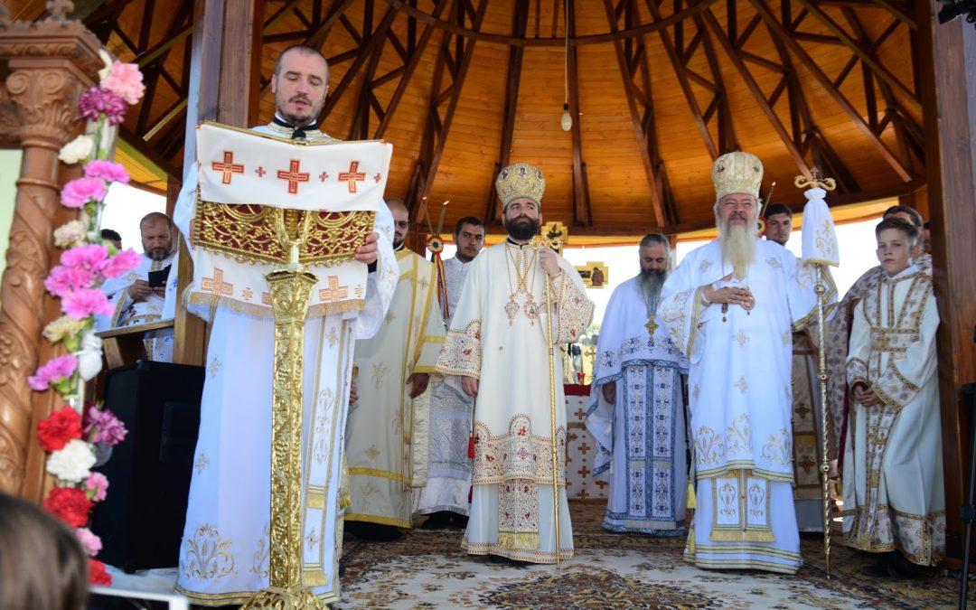 Doi ierarhi la hramul singurei mănăstiri din Ahiepiscopia Clujului, ocrotită de Sfântul Ioan Iacob Hozevitul