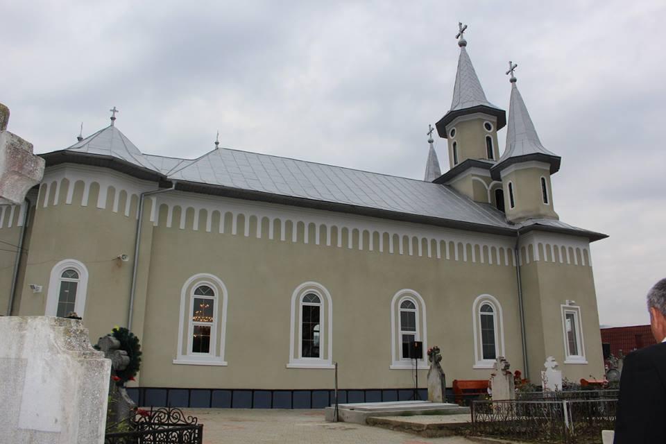 """40 de ani de la târnosirea bisericii """"Sfântul Nicolae"""" din Căianu Mare"""