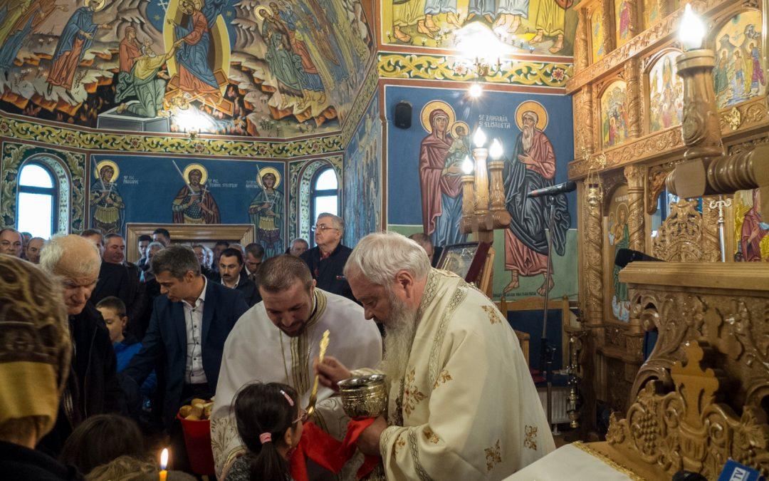 Liturghie arhierească la Recea-Cristur