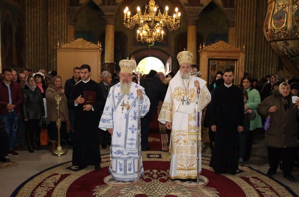 """Înaltpreasfințitul Părinte Andrei la sărbătoarea Mănăstirii """"Sfinții Voievozi"""" din Slobozia"""