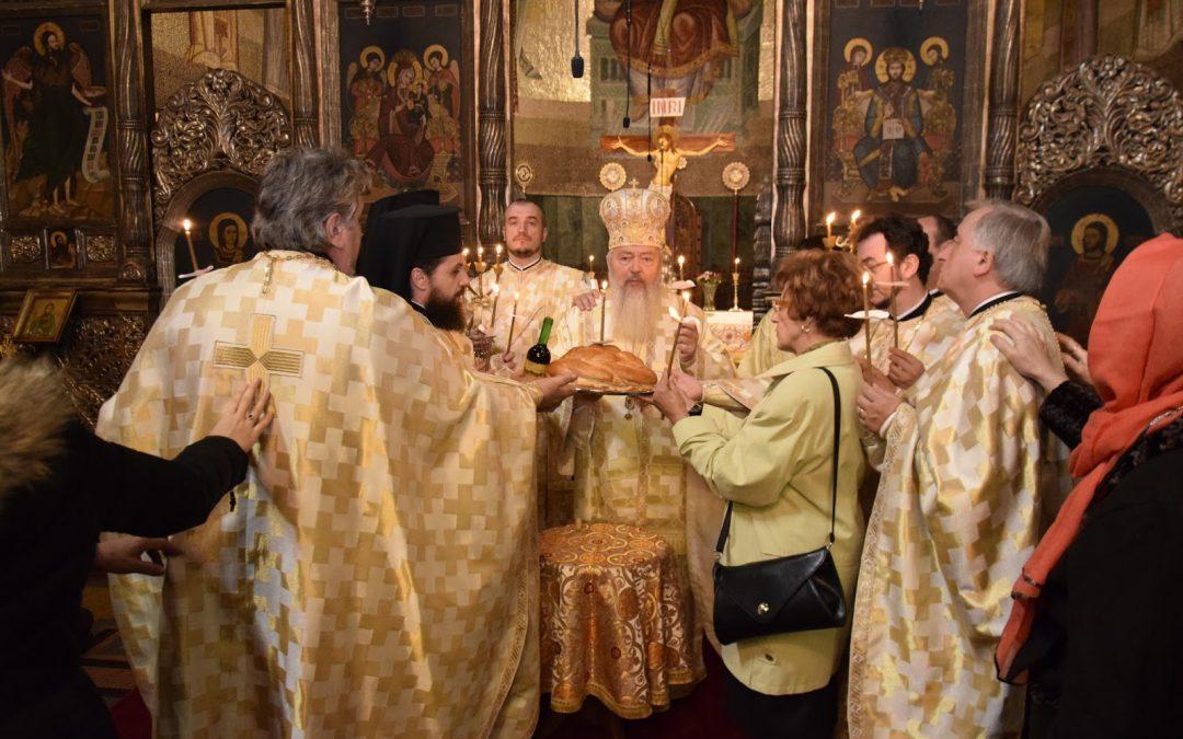 Liturghie arhierească și Slujba Parastasului pentru Arhiepiscopul Teofil, în Catedrala Mitopolitană din Cluj