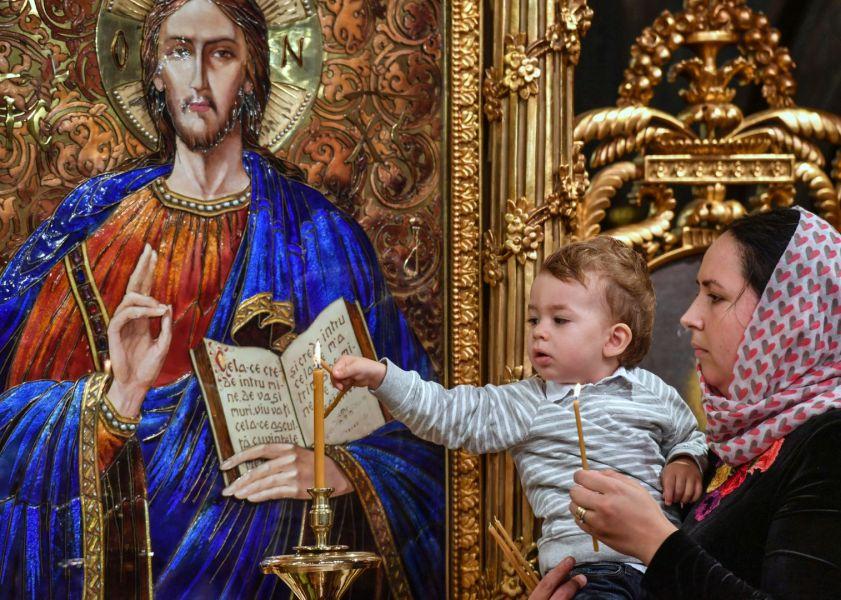 Patriarhul Daniel: Femeia creștină – binecuvântare pentru familie și Biserică