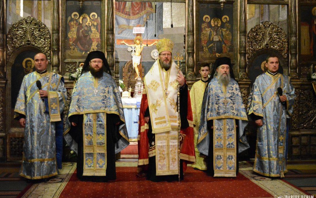Ajunul praznicului Buneivestiri, la Catedrala Mitropolitană din Cluj-Napoca