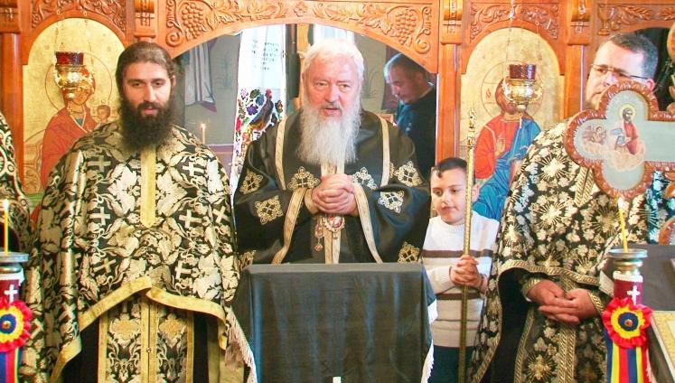 Liturghie arhierească în limbile română şi romani la Turda
