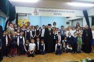 """100 de copii la Programul after-school """"Sfântul Stelian"""" din Bistriţa"""
