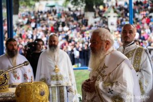"""ÎPS Andrei: """"Biserica este coloana vertebrală a neamului acestuia!"""""""