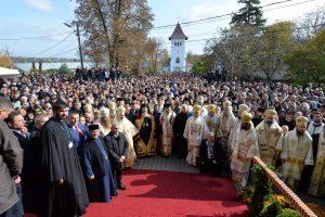 Mitropolitul Clujului a participat la instalarea PS Ignatie în scaunul de Episcop al Hușilor