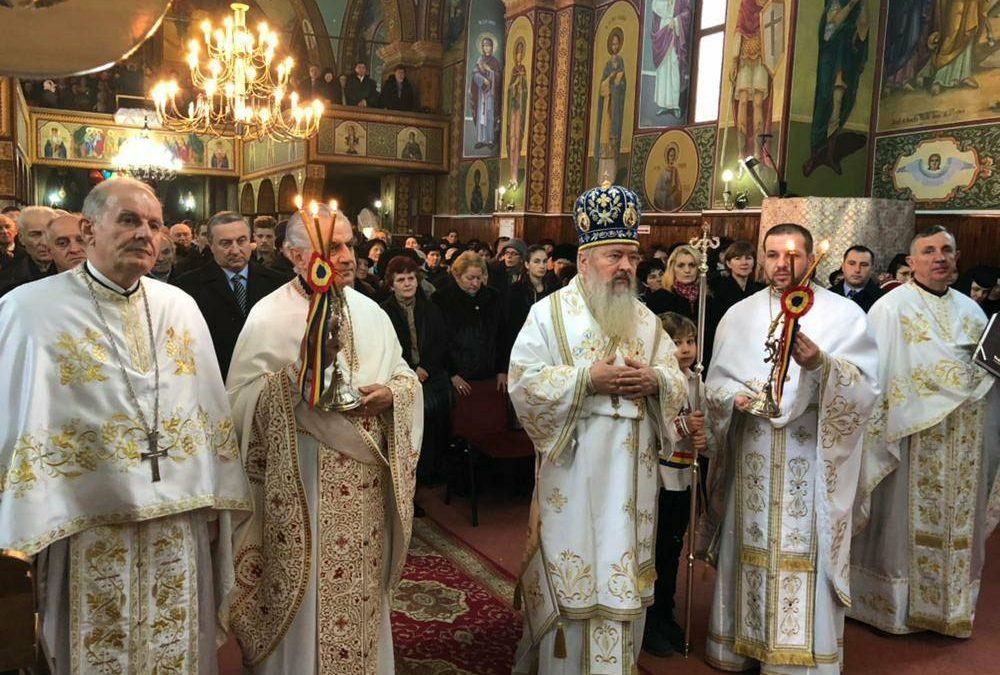 """""""Crucea Arhiepiscopală"""" pentru preoții Parohiei Dej II"""