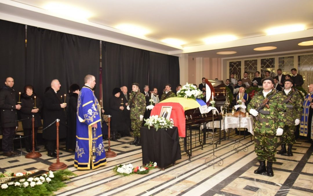 """Academicianul Nicolae Edroiu, director al Institutului de Istorie """"George Bariţiu"""", înmormântat de Mitropolitul Clujului"""