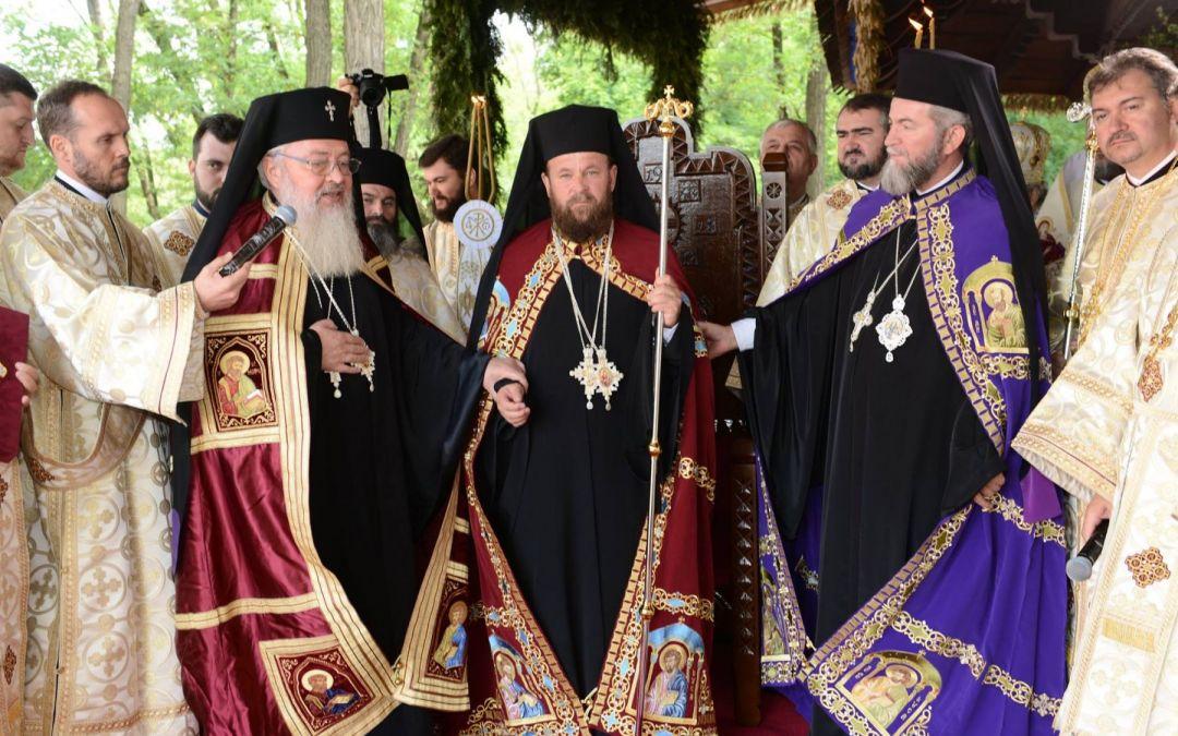 """La hirotonie, Episcopul Timotei a fost îndemnat să îndeplinească cu multă râvnă """"misiunea Păstorului Celui Bun"""""""