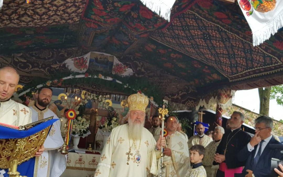 Cea mai veche biserică ortodoxă din Beclean a fost resfințită de Mitropolitul Clujului