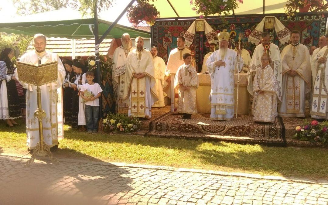 Mitropolitul Clujului, în mijlocul credincioșilor din străvechea parohie Bologa