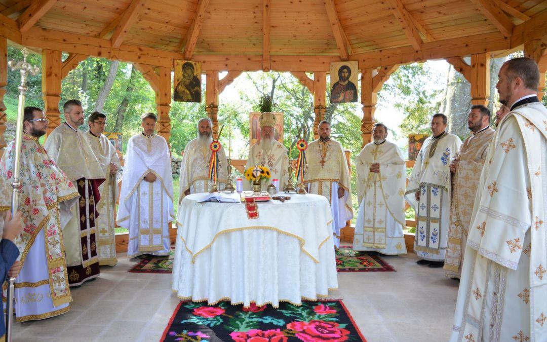 Înaltpreasfințitul Părinte Andrei, la hramul Mănăstirii Ciucea