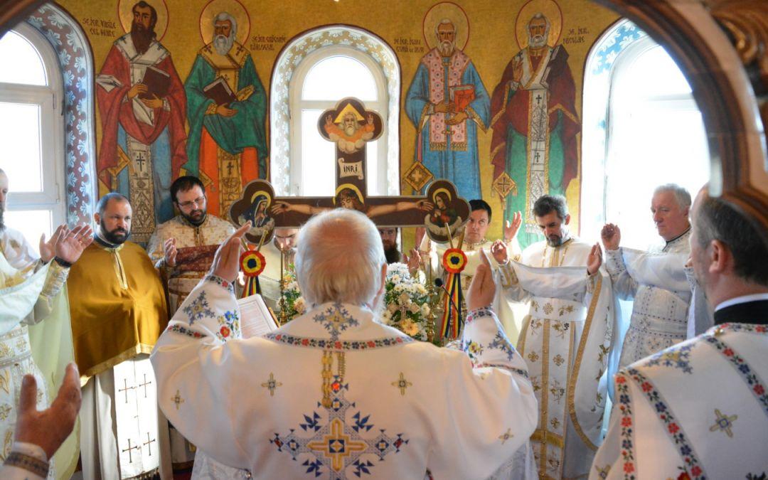 Mitropolitul Clujului, la hramul Bisericii din Hășmașu Ciceului