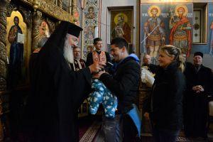 IPS Andrei s-a întâlnit cu tinerele familii care s-au cununat religios în anul 2018 la bisericile din Cluj-Napoca