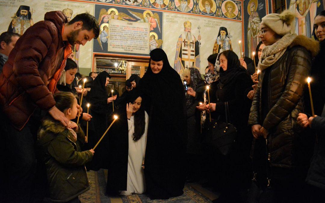 Slujbă de călugărie săvârșită de Părintele Mitropolit Andrei, la Mănăstirea Cormaia
