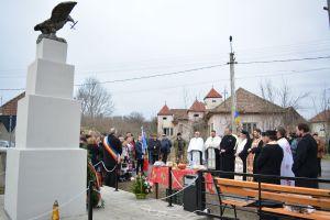 Sfințire de monument la Cubleșul Someșan, în prezența Înaltpreasfințitului Părinte Andrei