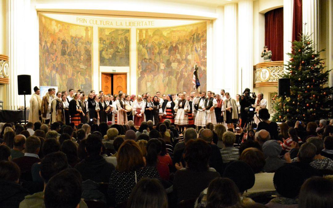"""""""Și ne lasă gazdă-n casă"""" – concert de colinde vechi, susținut de studenții clujeni"""