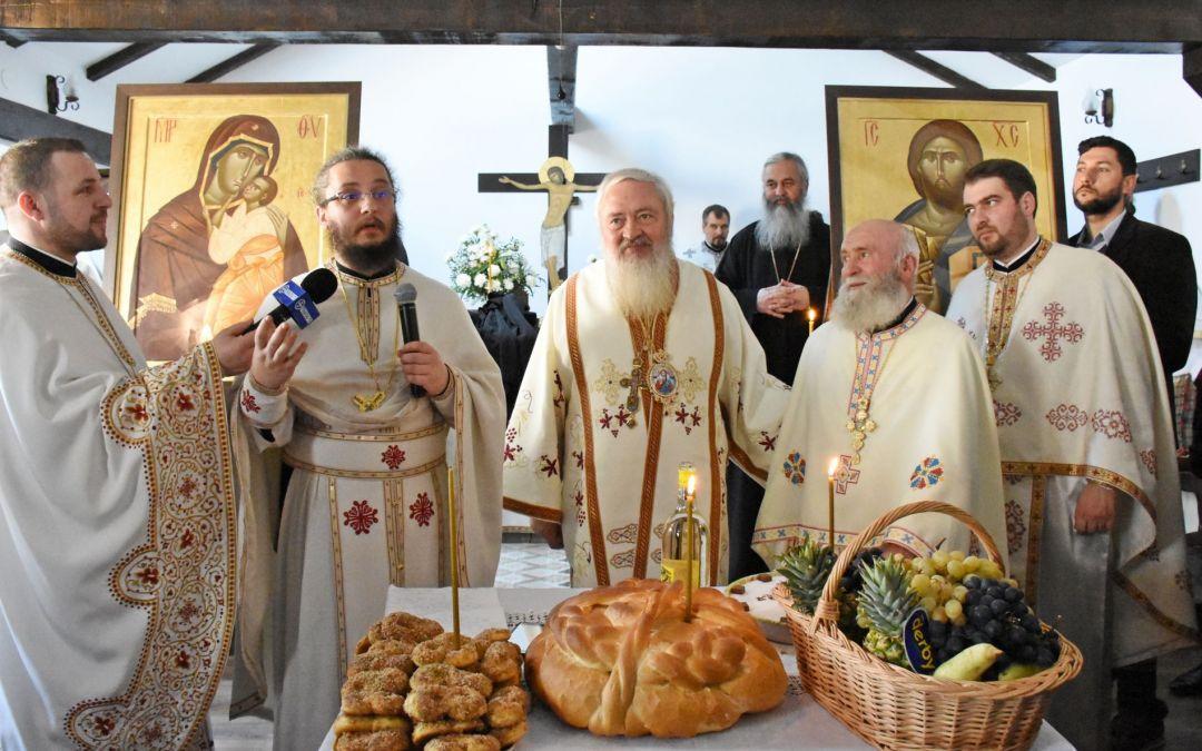 """IPS Andrei, la hramul Mănăstirii """"Sfinții 40 de Mucenici"""" – Memorialul Gherla"""