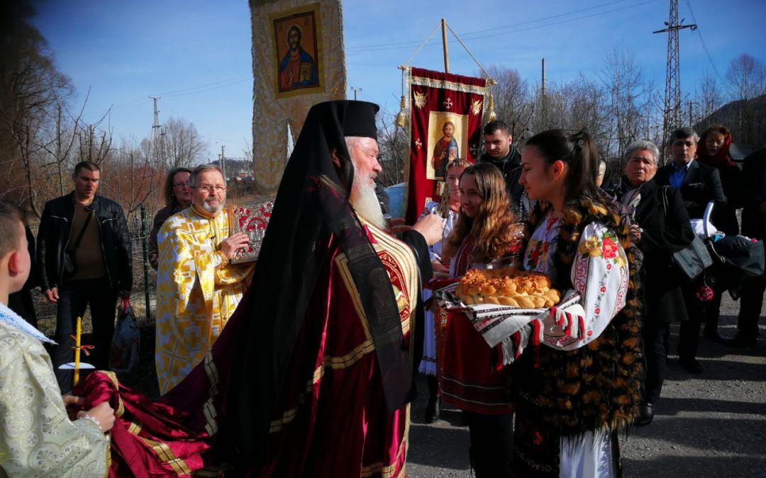 ÎPS Părinte Andrei, în mijlocul comunității ortodoxe de români din Salzburg
