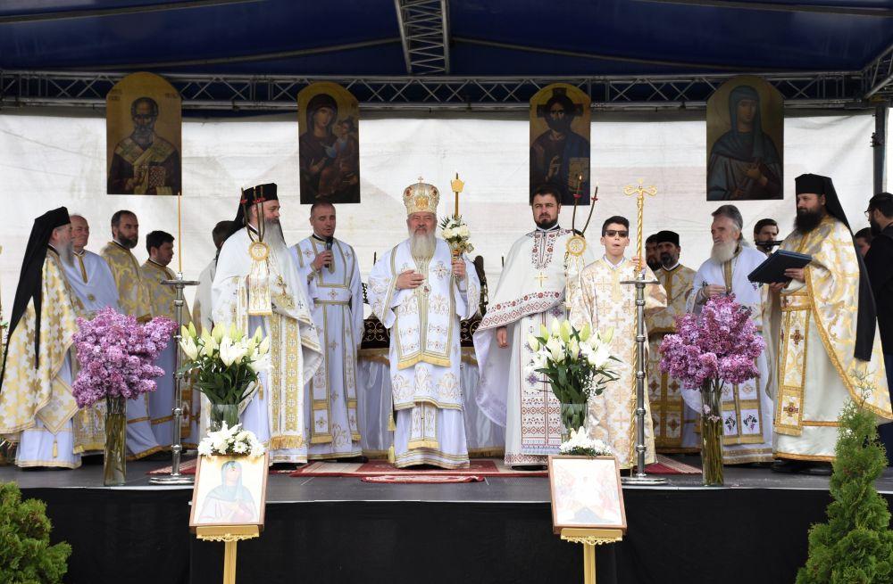"""În a treia zi de Paști, Mănăstirea clujeană """"Sfânta Elisabeta"""" și-a sărbătorit hramul"""