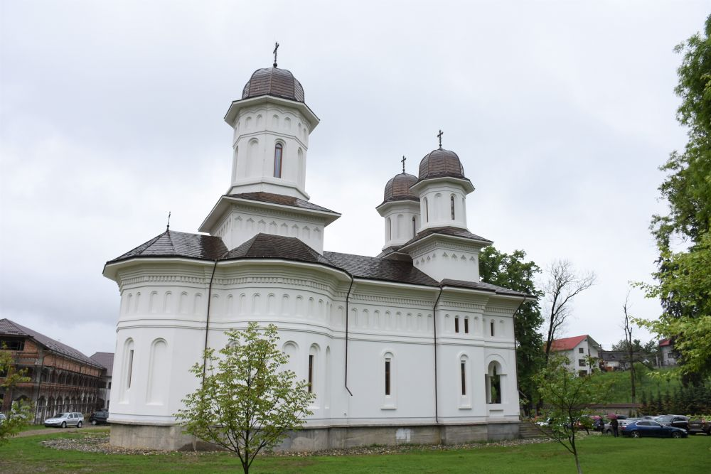 Hramul istoric al Mănăstirii Dobric, sărbătorit în prezența Mitropolitului Andrei