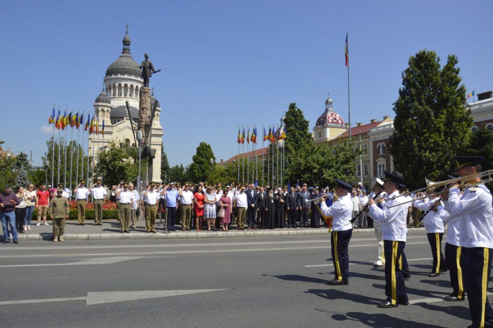 Înaltpreasfințitul Andrei a sfințit Drapelul Național la Catedrala Mitropolitană din Cluj-Napoca
