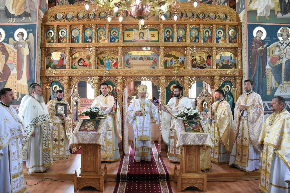 Binecuvântare arhierească în Parohia Berchieșu