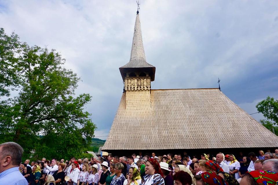 Biserica-monument istoric din parohia bistrițeană Dobricel, resfințită de Mitropolitul Clujului