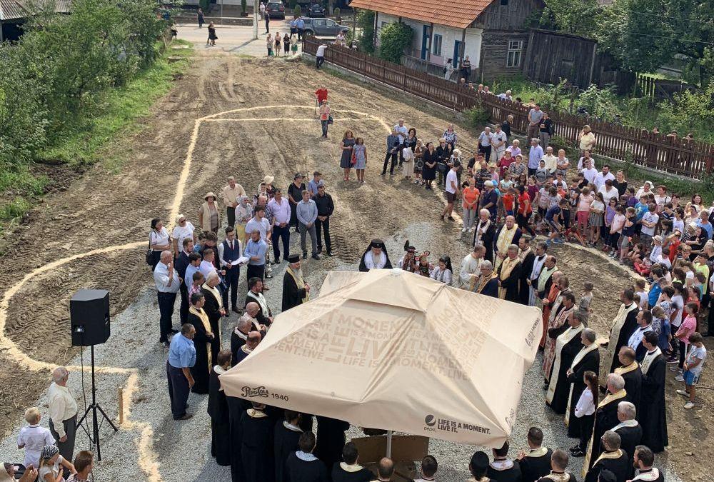 Mitropolitul Andrei a pus piatra de temelie pentru noua biserică din orașul-stațiune Sîngeorz-Băi