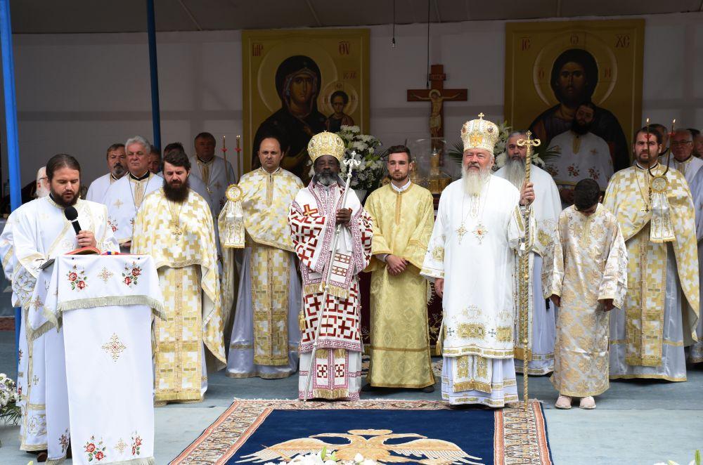 Mitropolitul Clujului și Mitropolitul de Rwanda și Burundi, la hramul Mănăstirii Nicula