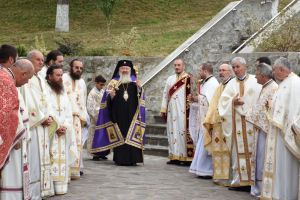 Hramul Mănăstirii de la Cășiel, sărbătorit în prezența Mitropolitului Andrei și a mii de pelerini